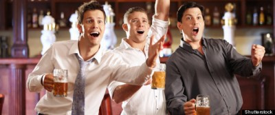 Andrea at the pub with his friends. www.huffingtonpost.com-570 × 238-