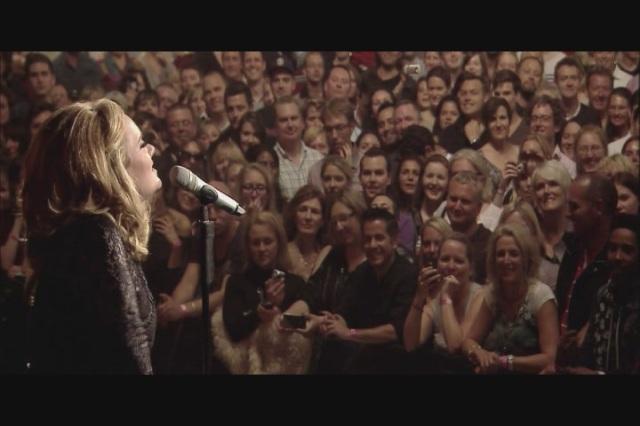 Adele-Live-At-The-Royal-Albert-Hall-2011-HD-Screencaps-adele-28405355-720-480
