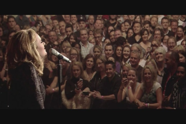 Adele-Live-At-The-Royal-Albert-Hall-2011-HD-Screencaps-adele-28405355-720-480